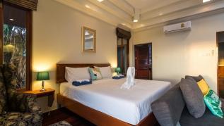 50pee - Seaview pool villa in Patong, boxing bag, foosball table, darts and fun!