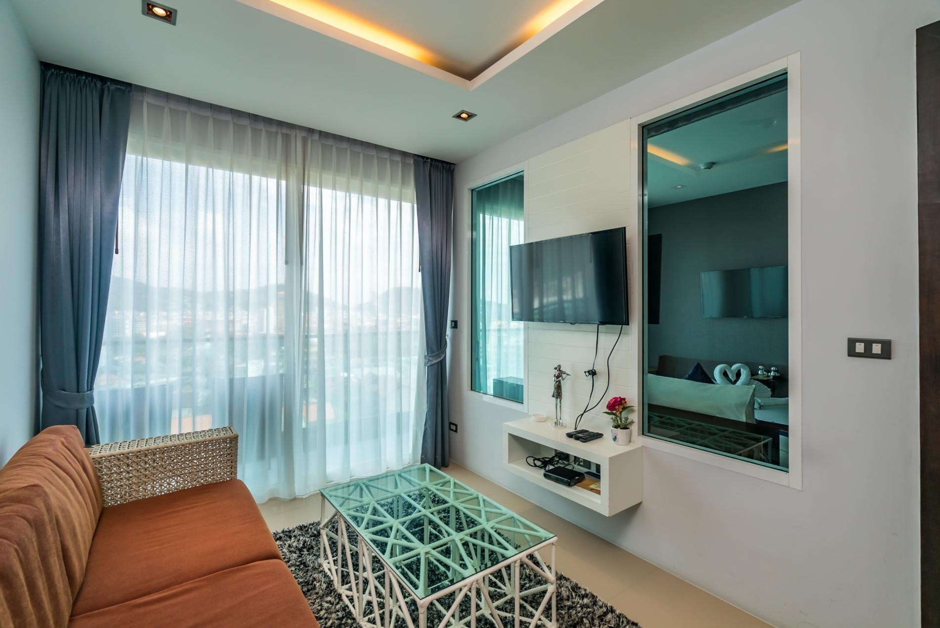 Apartment ET703 - Patong great condo for 4 people  open view  pool and gym photo 19385746