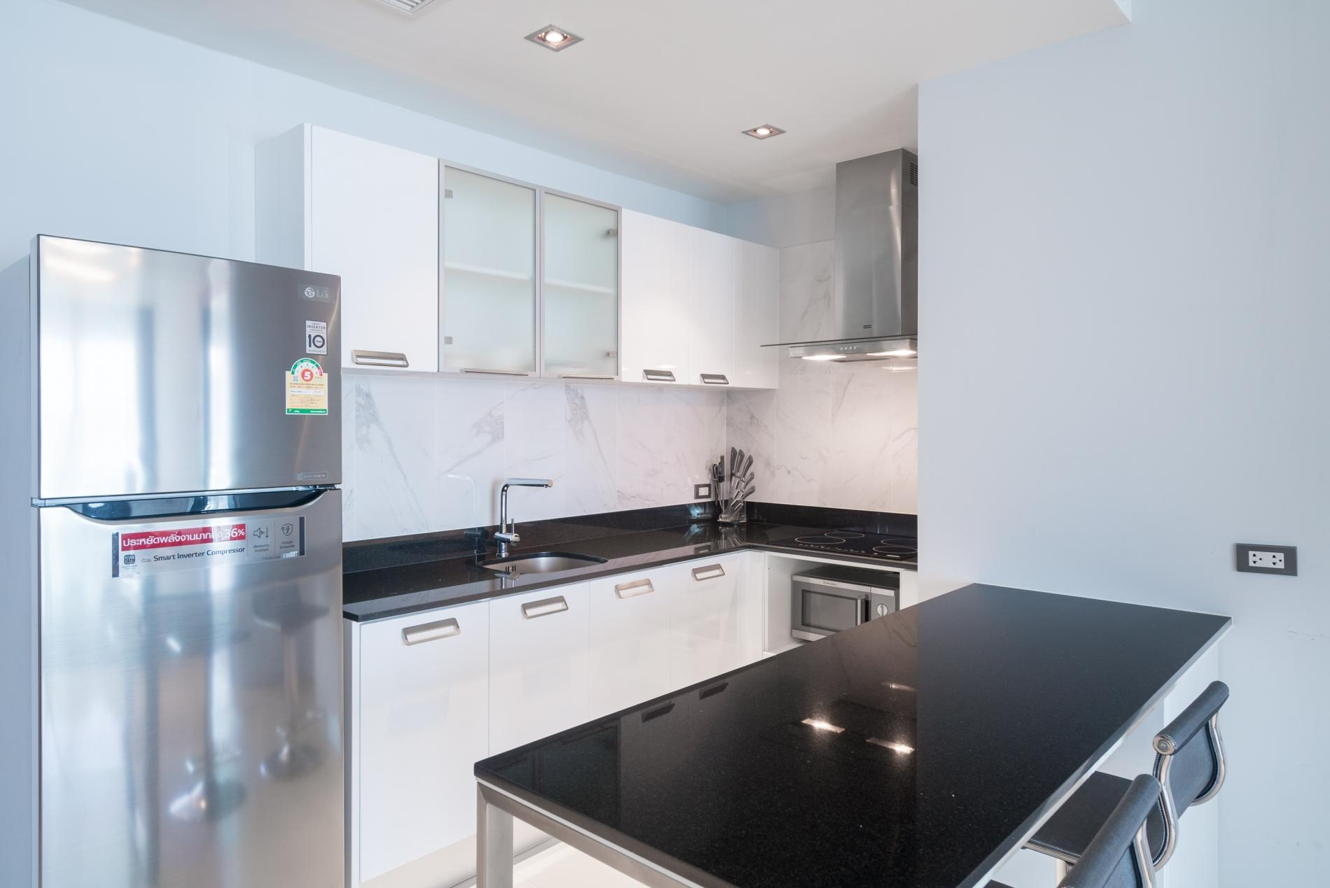 Apartment ET703 - Patong great condo for 4 people  open view  pool and gym photo 18987809