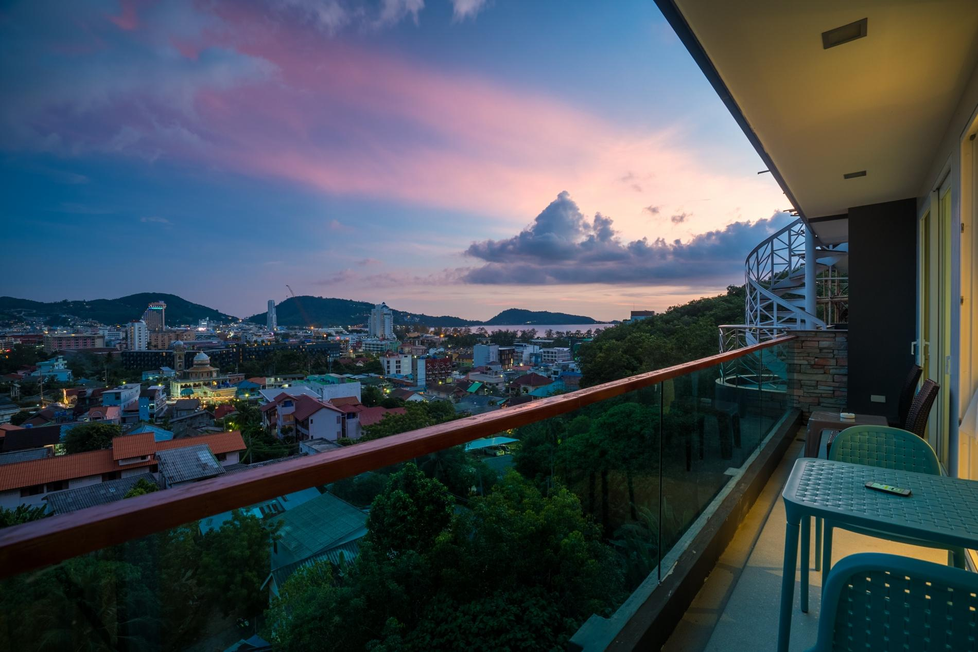 Apartment ET703 - Patong great condo for 4 people  open view  pool and gym photo 17054280