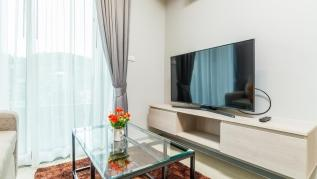 6Av 707 - Convenient Surin beach condo with pool and gym