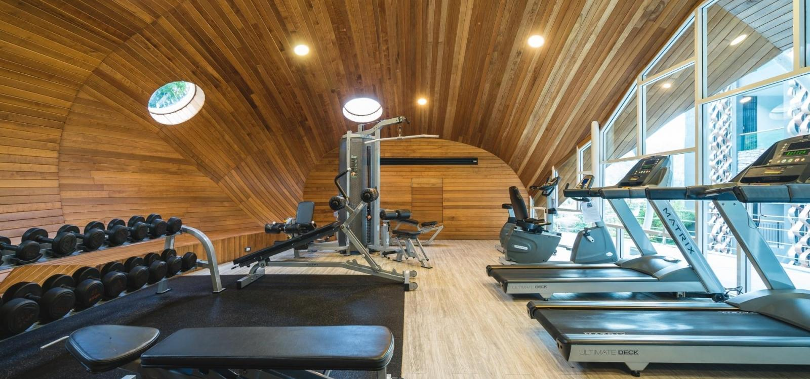 ET308 - Studio in Emerald Terrace condo, with pool and gym!