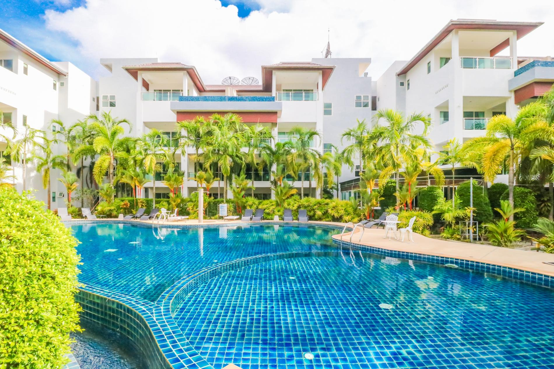 BT214 - BangTao Beach apartment with pool and gym photo 13769230