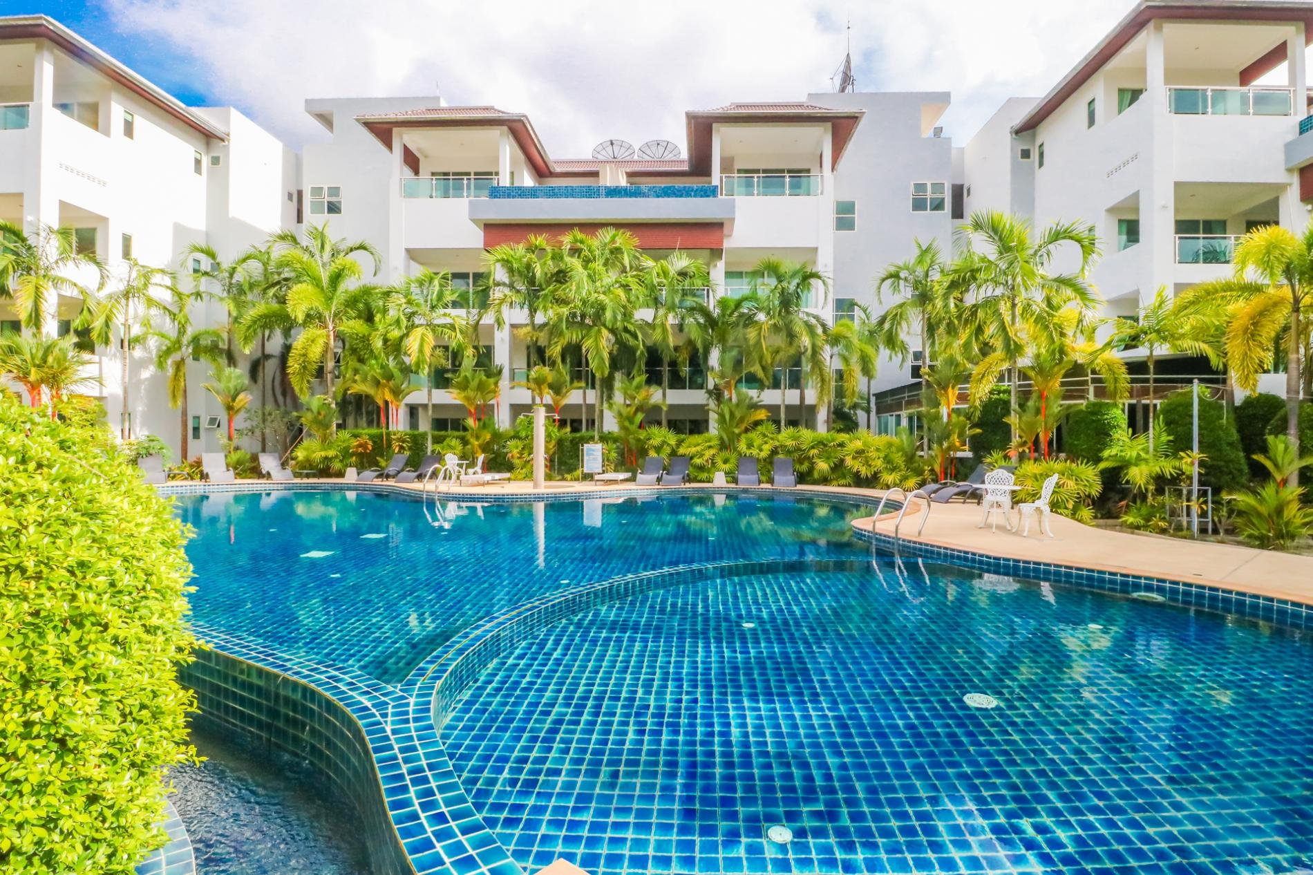 BT214 - BangTao Beach apartment with pool and gym photo 13769226