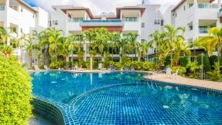BT214 - BangTao Beach apartment with pool and gym
