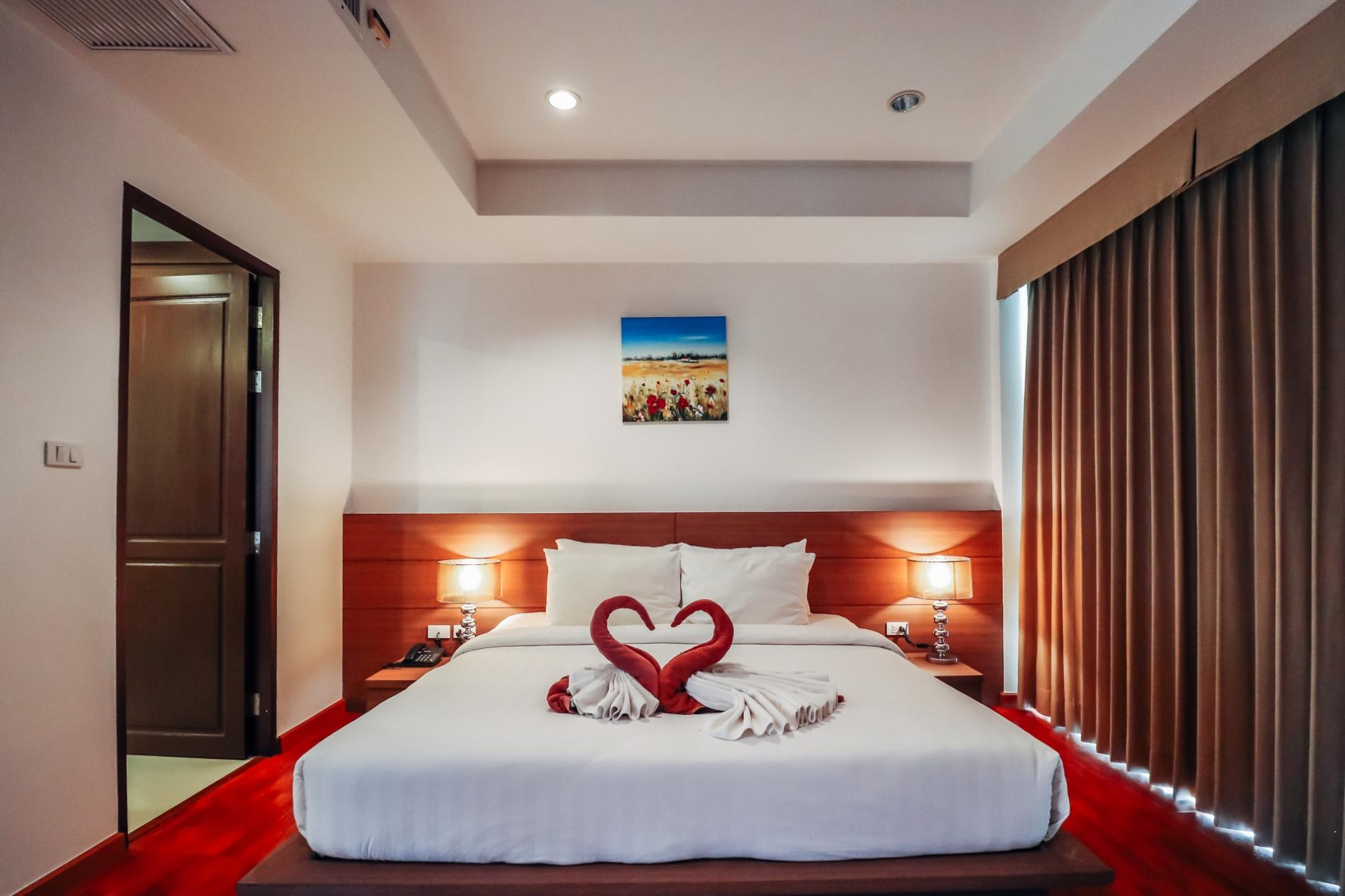 BT214 - BangTao Beach apartment with pool and gym photo 13769234