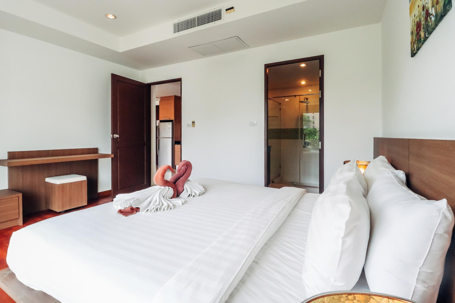 BT214 - BangTao Beach apartment with pool and gym photo 13769240