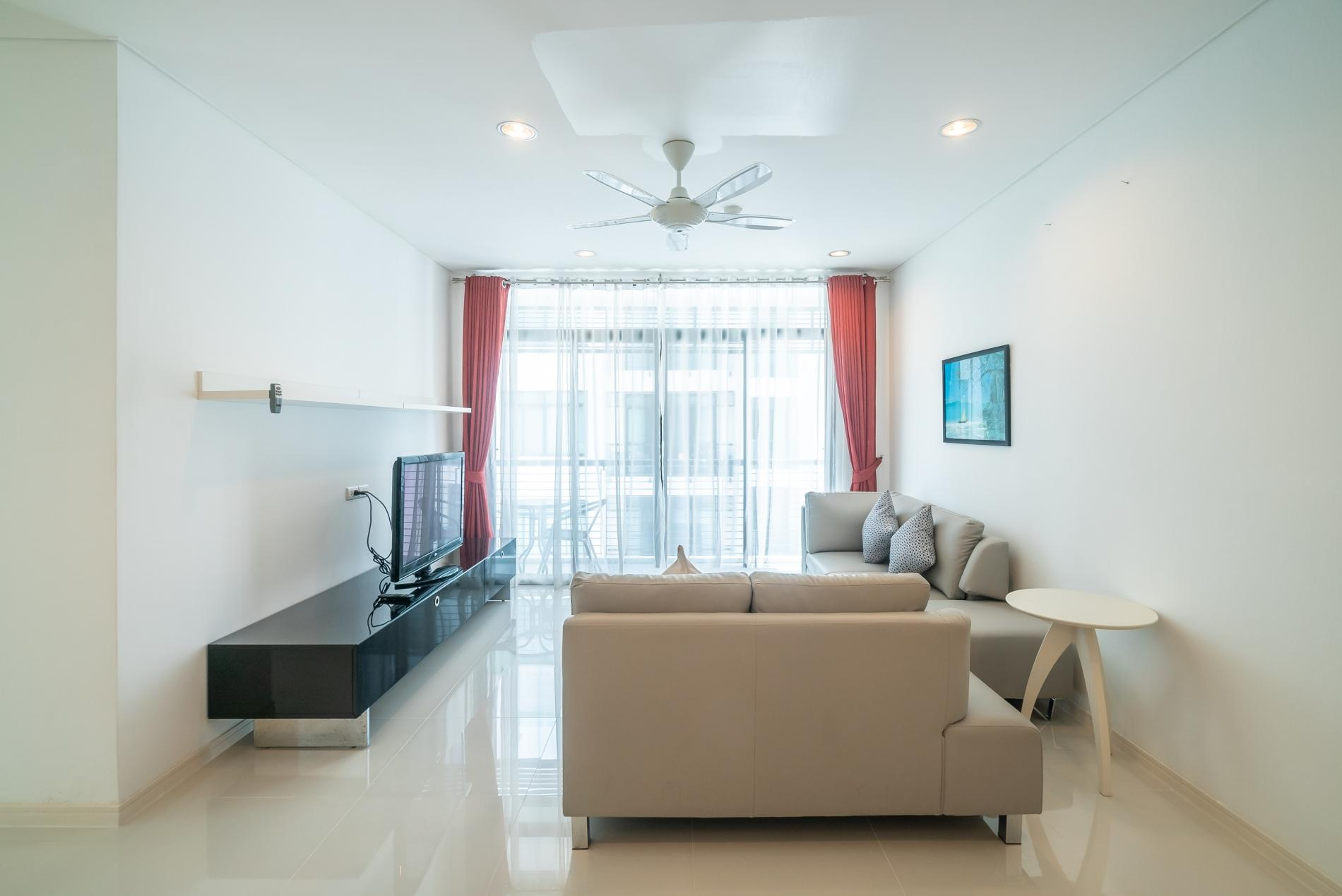 Apartment Kamala Regent C403 - High floor 3 bdr apartment with pool and gym photo 19414376
