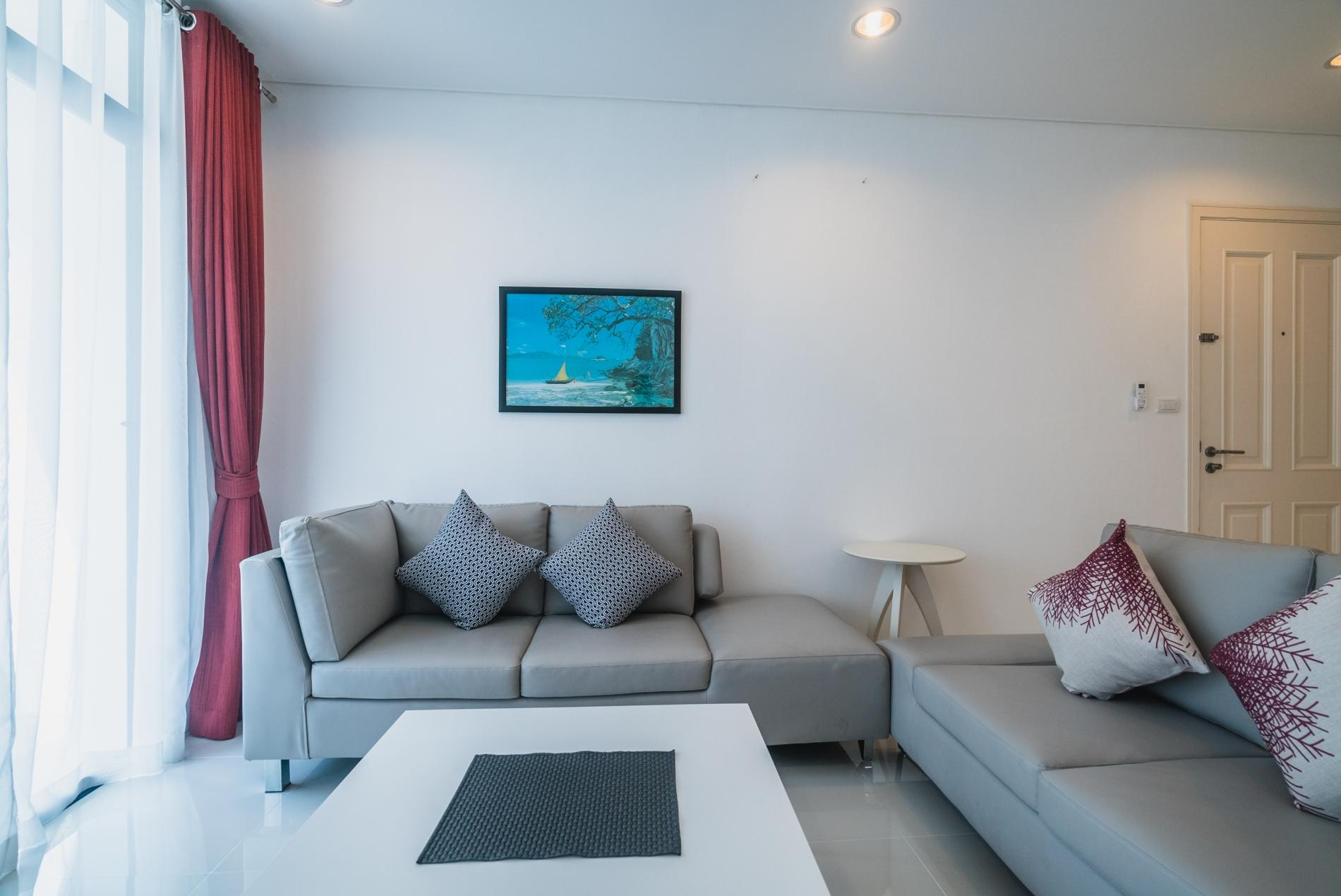 Apartment Kamala Regent C403 - High floor 3 bdr apartment with pool and gym photo 19383944