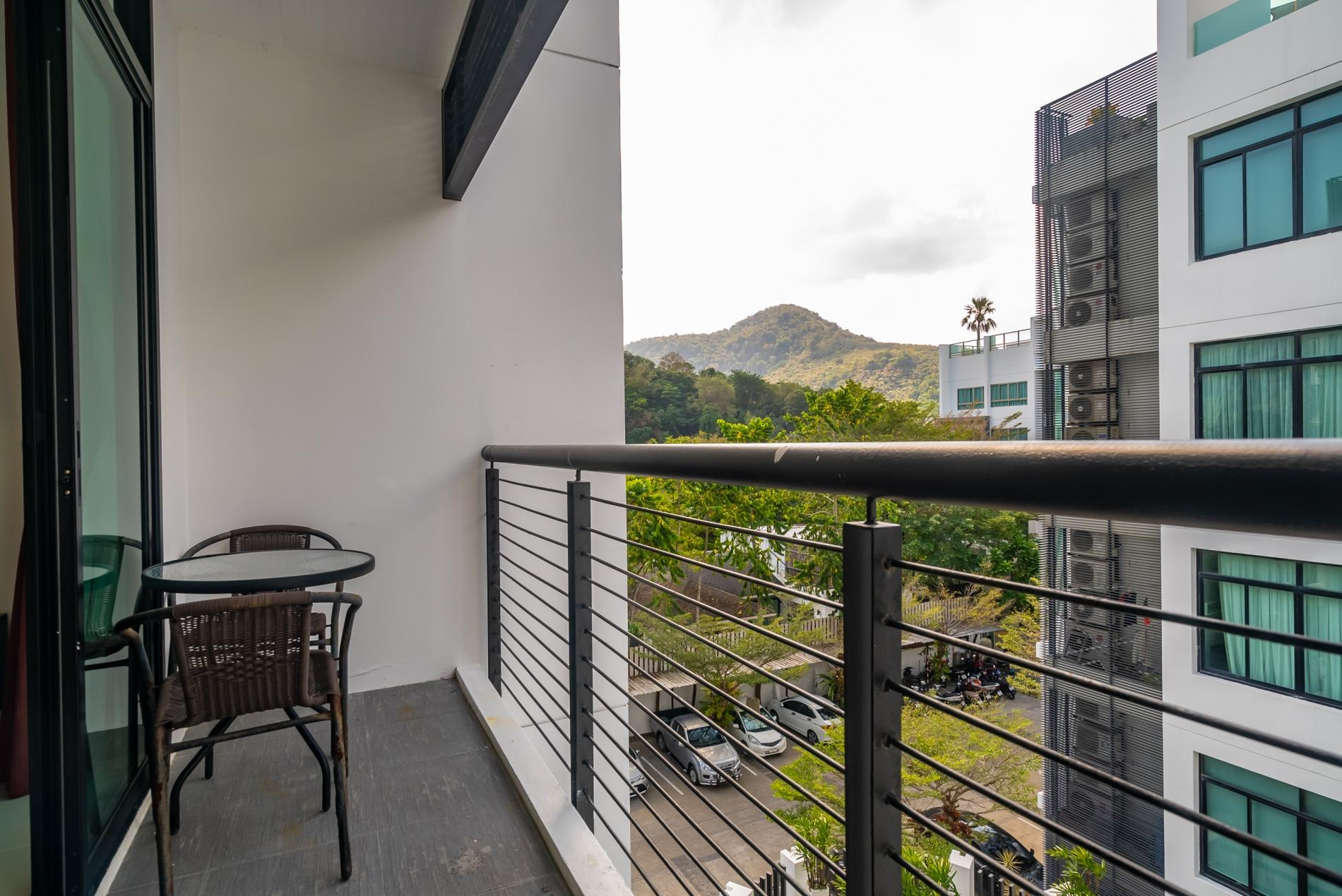 Apartment Kamala Regent C403 - High floor 3 bdr apartment with pool and gym photo 19414384