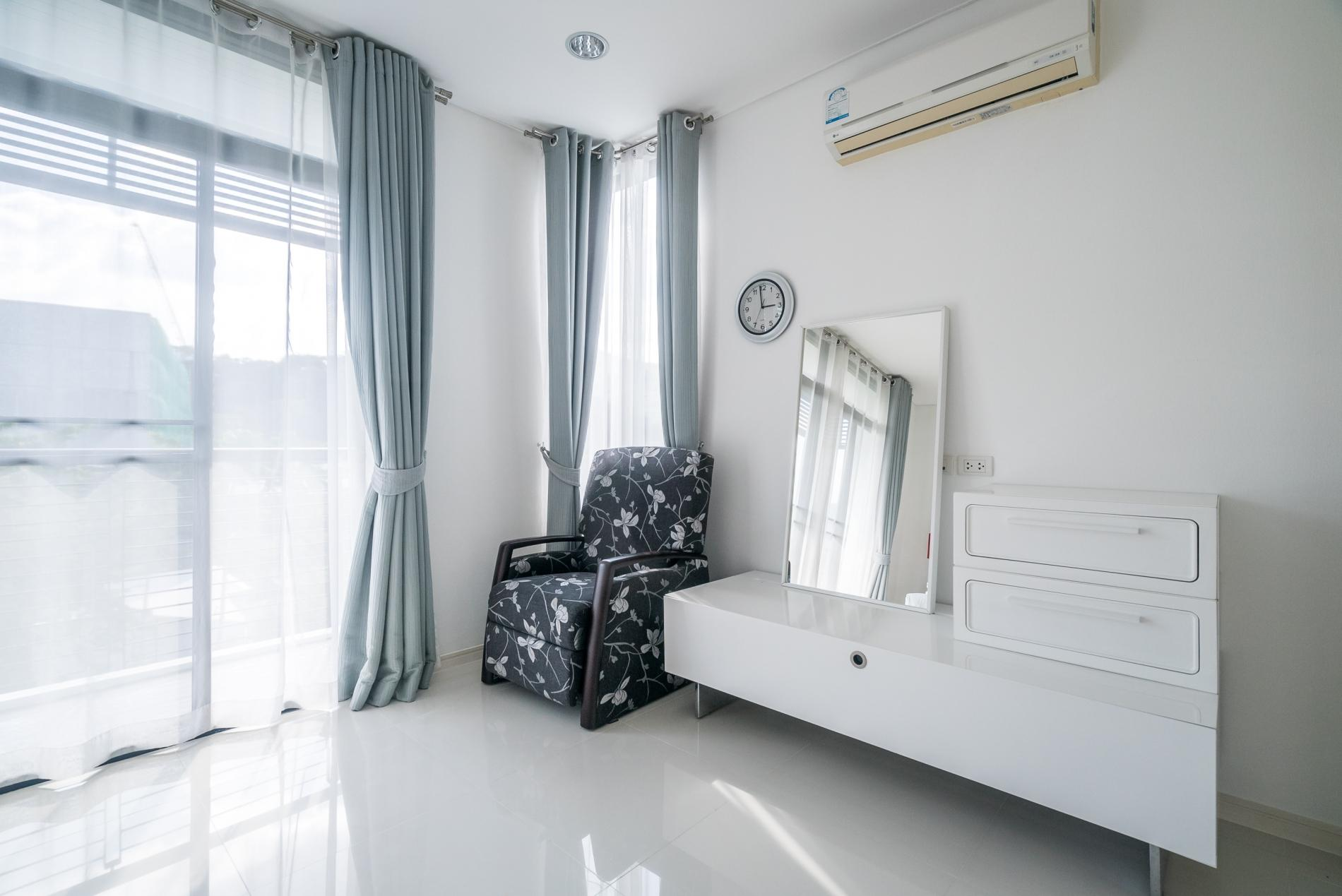 Apartment Kamala Regent C403 - High floor 3 bdr apartment with pool and gym photo 19276850