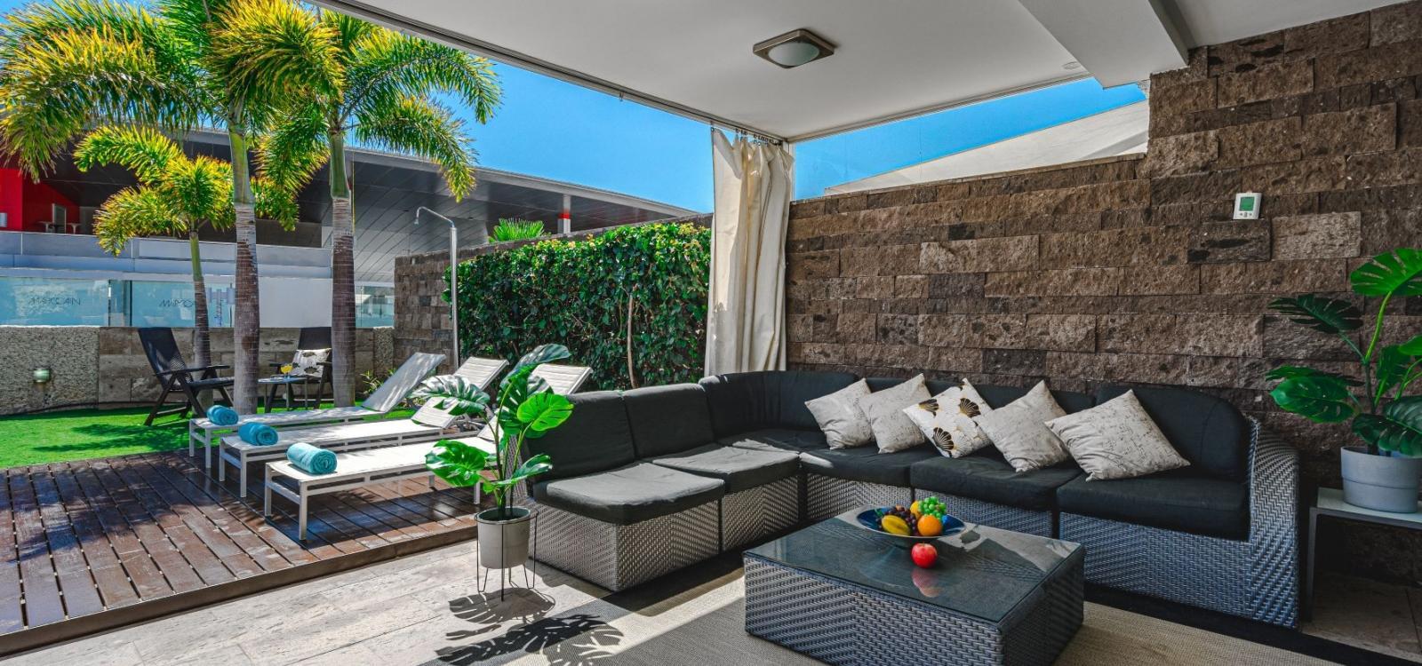 Lux Villa 7 (with 6 Bedrooms, 4 Bathrooms)
