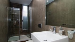 (D27) Villa with 6 Bedrooms, 4 Bathrooms
