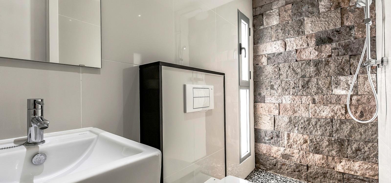 (D55) Villa with 5 Bedrooms, 4 Bathrooms