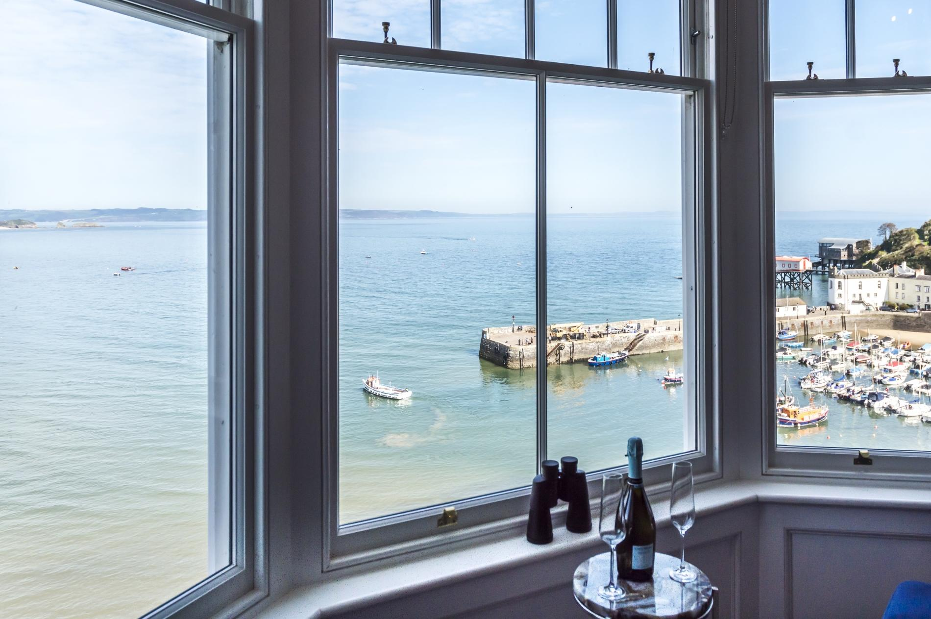 Fisherman's Catch - Two Bedroom Luxury Apartment - Tenby 0